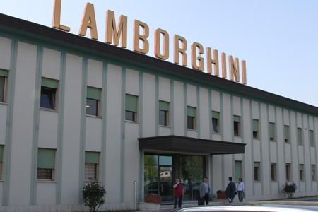 Специалисты компании Тайм на заводе Ламборгини